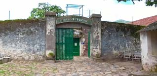 Chuyện tính Ngưu Lang - Chức Nữ trong nhà tù Côn Đảo