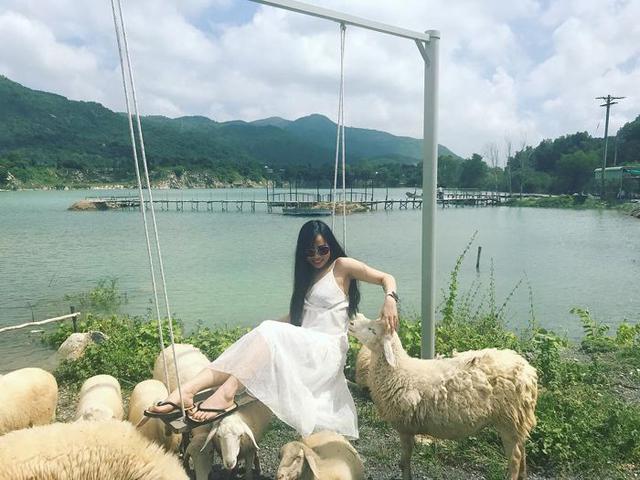 Chụp hình cưới ở Hồ Đá Xanh